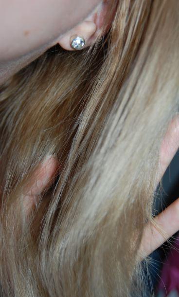 Haarfarbe vor der Anwendung von dem Haarentfärber Colour B4